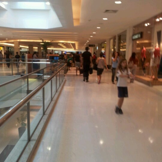Photo taken at Shopping Recife by Hayanna L. on 9/22/2012