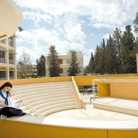 2/9/2015にEuropean University CyprusがEuropean University Cyprusで撮った写真