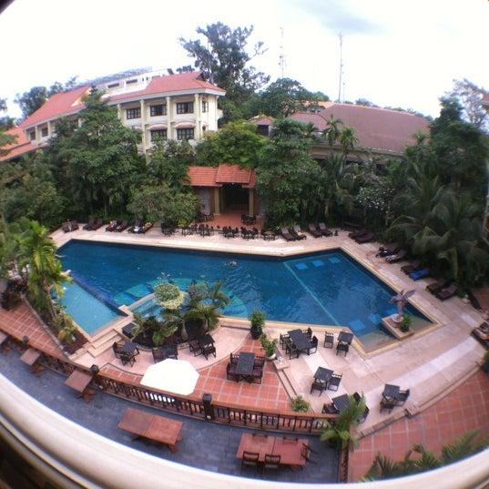 Prince D' Angkor Hotel & Spa Siem Reap  Siĕmréab, Siem Reap. Gite La Vue Royale View B And B. Adair Country Inn & Restaurant. Real Hotel. Holiday Inn Heathrow M4 J4 Hotel. Mona Pavilions. Pod Orlem Hotel. Holiday Inn Reading South Hotel. Talalla Retreat