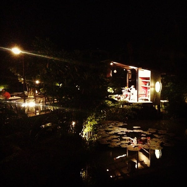 Photo taken at บ้านเอกเขนก by Nutchooms X. on 8/29/2014
