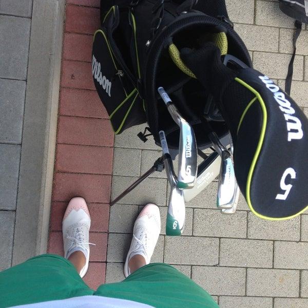 Das Foto wurde bei Golf-Club Golf Range Frankfurt Bernd Hess e.K. von Lia am 7/10/2013 aufgenommen