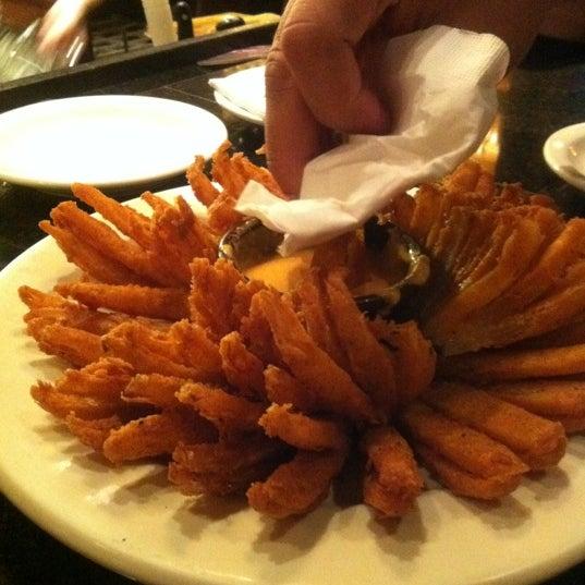 Foto tirada no(a) Outback Steakhouse por Salime M. em 11/17/2012