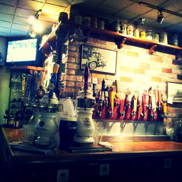 Photo taken at 99 Bottles of Beer on the Wall by Joseph A. on 3/29/2013