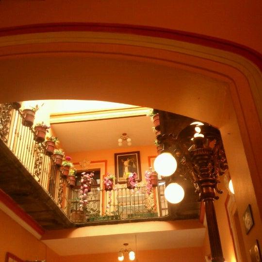 Foto tomada en Casa Real Poblana por TOni C. el 9/27/2012