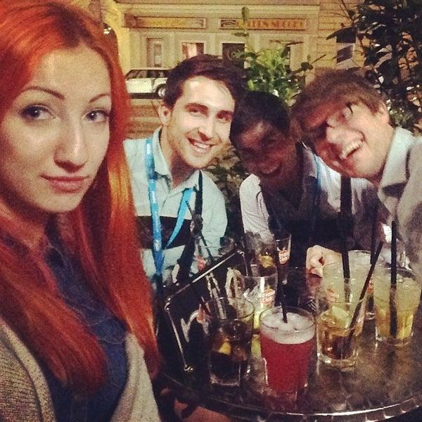 Das Foto wurde bei Ride Club von Мила Ж. am 5/19/2014 aufgenommen