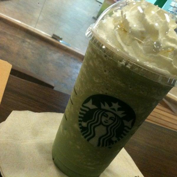 Photo taken at Starbucks by Mameawja on 1/24/2013