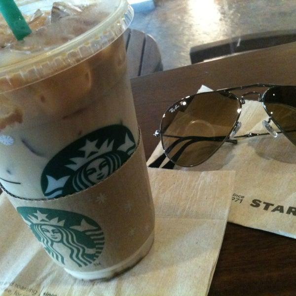 Photo taken at Starbucks by Mameawja on 12/21/2012