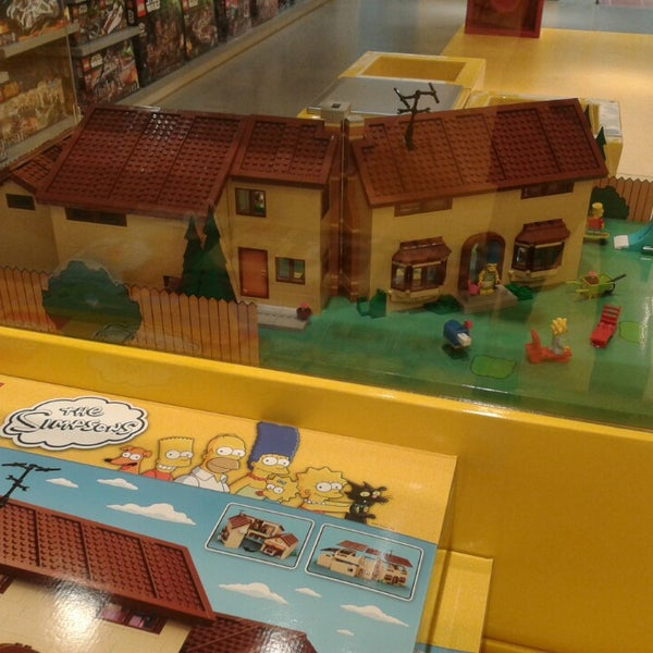 Photo taken at LEGO Store by Sander R. on 5/8/2014