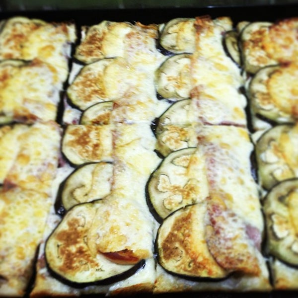 Foto scattata a Mamma Mia Pizza & FastGood da Mamma Mia F. il 7/14/2013