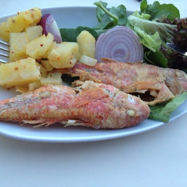 7/14/2013 tarihinde M Selcuk G.ziyaretçi tarafından Yengeç Restaurant'de çekilen fotoğraf