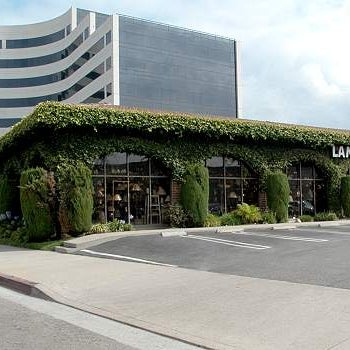 Lamps Plus Corporate Office In Chatsworth