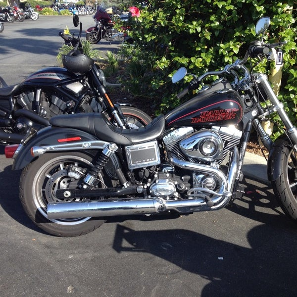 Foto tomada en Riverside Harley-Davidson por Drew B. el 9/6/2014