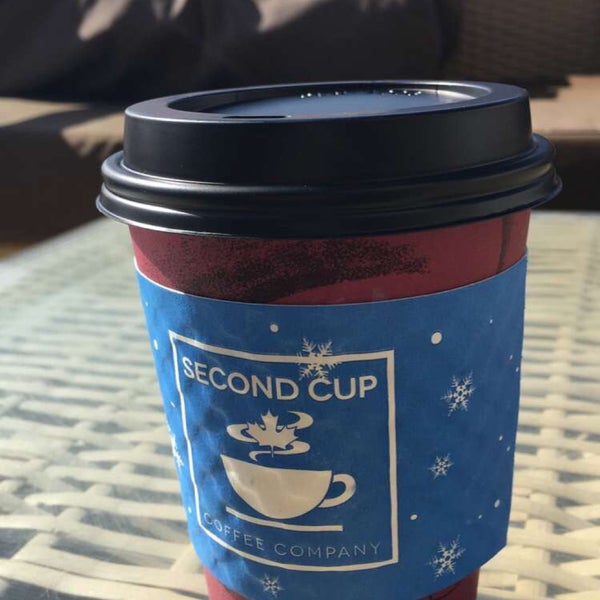 Photo taken at SECOND CUP by Huntter 8. on 12/16/2016