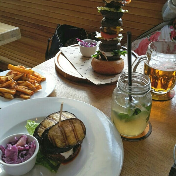 Photo taken at Le Burger by Andriy G. on 5/29/2016