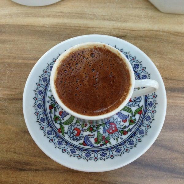 2/16/2013 tarihinde Uğurcan E.ziyaretçi tarafından LimonH₂O Cafe Bistro'de çekilen fotoğraf