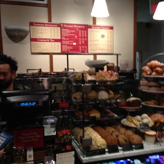 Photo taken at Peet's Coffee & Tea by Luis P. on 11/29/2012
