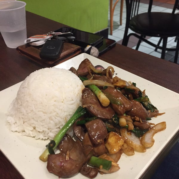 Photo taken at Teo Chow Noodle Shack by Yohan J. on 1/27/2016