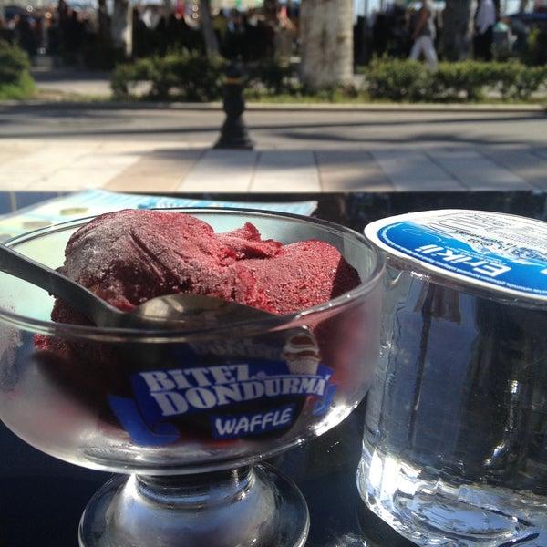 4/14/2013 tarihinde Zeynep E.ziyaretçi tarafından Bitez Dondurma'de çekilen fotoğraf