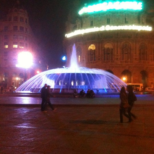 Foto scattata a Piazza de Ferrari da Stefano P. il 10/12/2012
