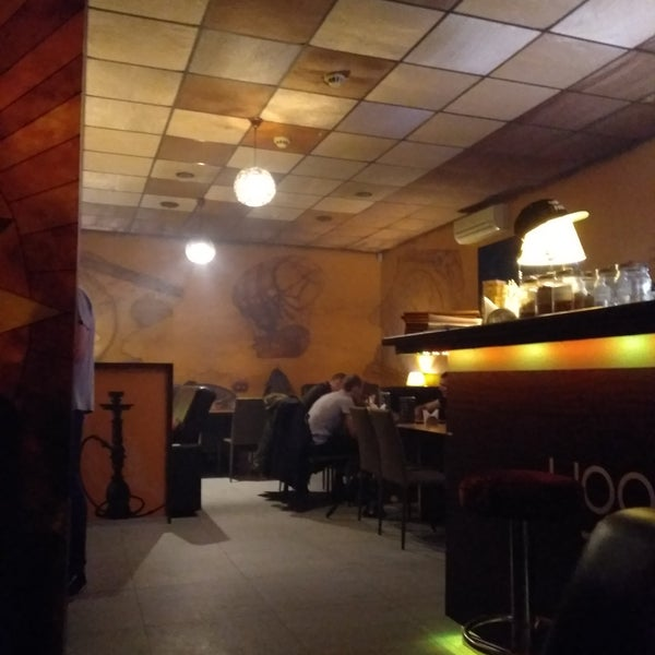 Отличное дымное место,много игр!!! Приходите дымить!!!