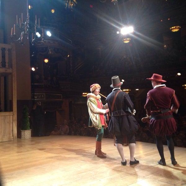 รูปภาพถ่ายที่ Belasco Theatre โดย Maria Jesus V. เมื่อ 11/17/2013