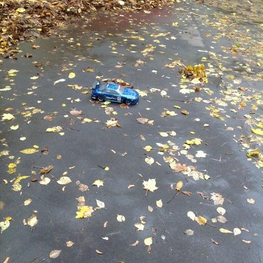 Снимок сделан в Щемиловский детский парк пользователем Стася 10/9/2012