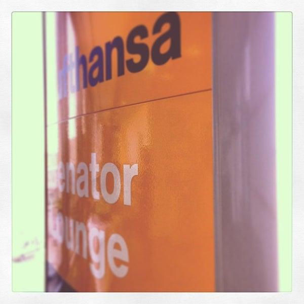 Foto tirada no(a) Lufthansa Senator Lounge por Oliver em 6/17/2013