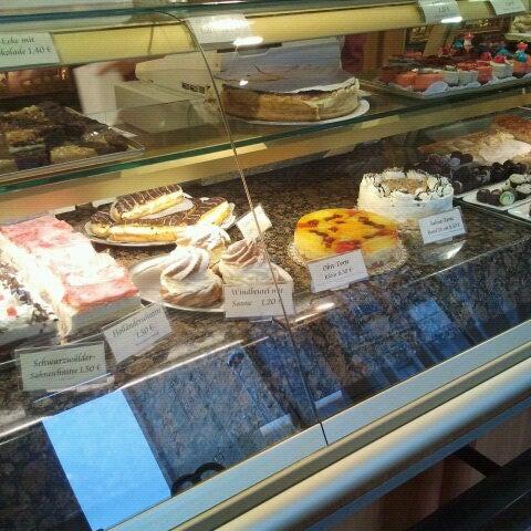 Das Foto wurde bei Bäckerei & Konditorei Göbecke von Mtths S. am 9/26/2012 aufgenommen