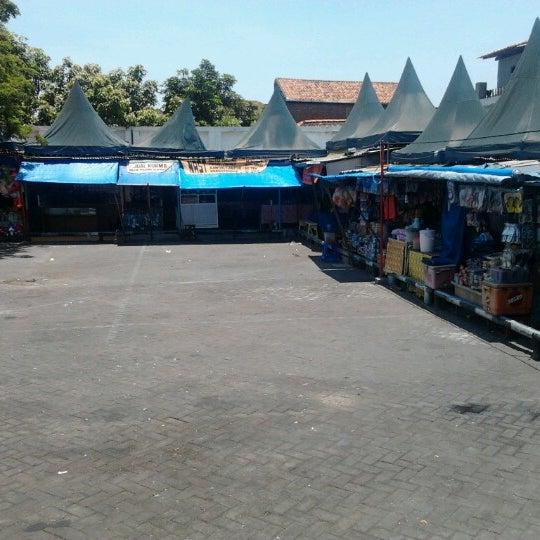 Photo taken at Kawasan Wisata Religi Makam Sunan Ampel by Kusuma E. on 10/19/2012