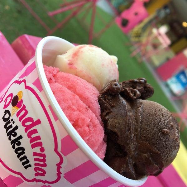 9/17/2018 tarihinde Reschadziyaretçi tarafından Dondurma Dükkanı'de çekilen fotoğraf