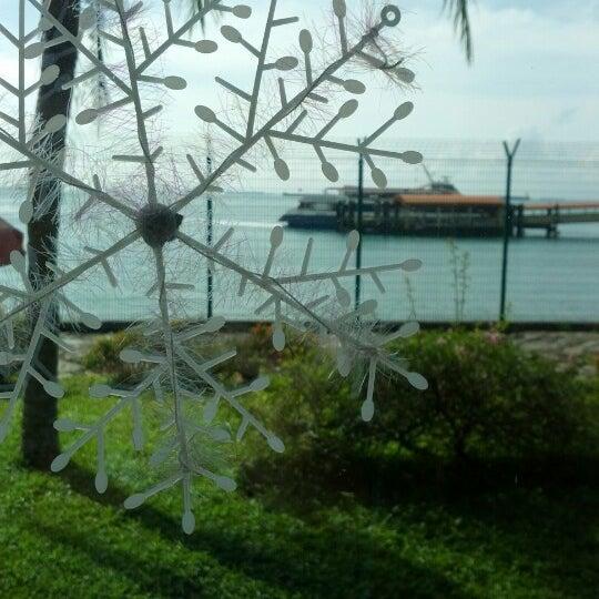 Das Foto wurde bei Tanah Merah Ferry Terminal von Jake V. am 12/21/2012 aufgenommen