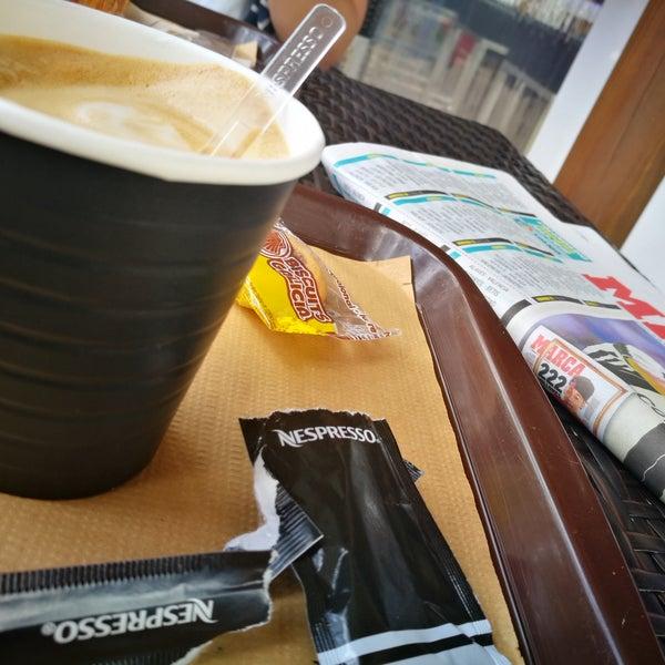 Foto tomada en Gassho Sanxenxo Lounge Bar-Café por Ricardo R. el 7/22/2017
