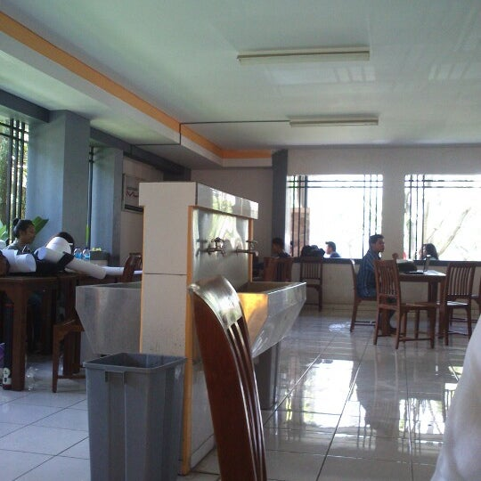 Photo taken at Cafetaria ITENAS by Faisal Imam N. on 1/2/2013