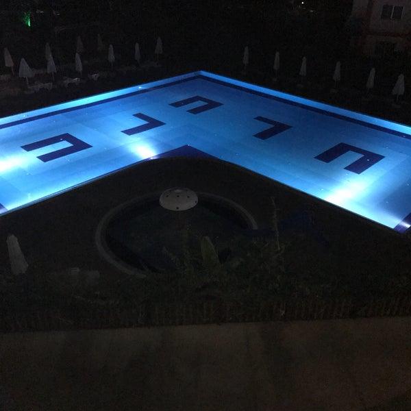 รูปภาพถ่ายที่ Ulu Resort Hotel โดย Gökhan B. เมื่อ 9/13/2017