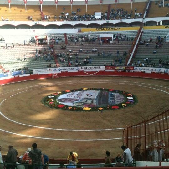 Foto tomada en Plaza de Toros Nuevo Progreso por Rafael R. el 11/25/2012