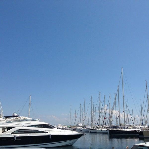 6/4/2013 tarihinde ALLI T.ziyaretçi tarafından Ataköy Marina'de çekilen fotoğraf