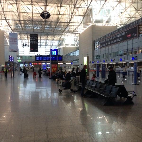 Das Foto wurde bei Frankfurt Airport (FRA) von Алексей am 11/16/2013 aufgenommen