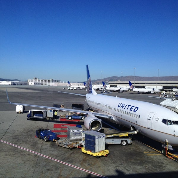 Photo taken at San Francisco International Airport (SFO) by J Lewis P. on 11/15/2013