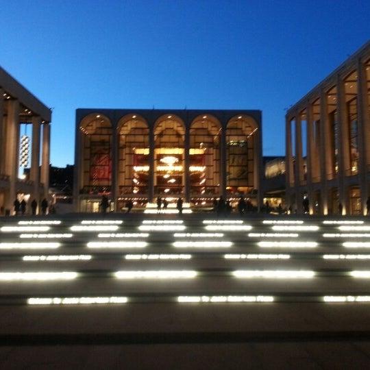 1/10/2013にAash J.がLincoln Center for the Performing Artsで撮った写真