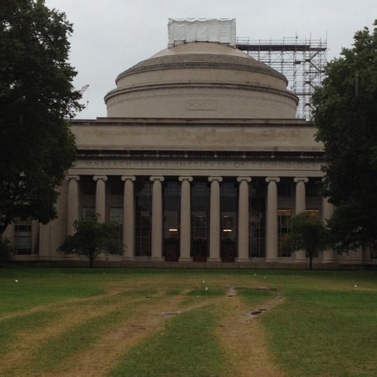 Photo taken at Massachusetts Institute of Technology (MIT) by Frida H. on 9/28/2012