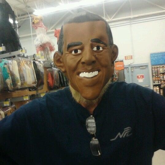 Photo prise au Walmart par Kathy M. le10/11/2012
