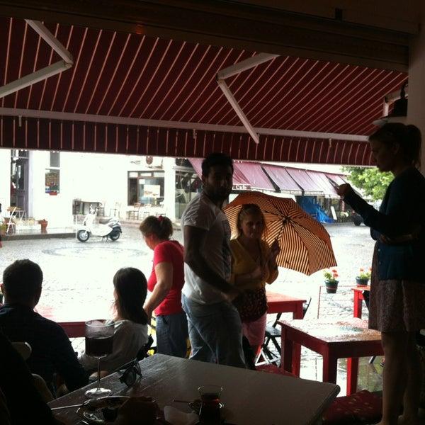 7/10/2013 tarihinde Umut Ergün Y.ziyaretçi tarafından Ada Cafe'de çekilen fotoğraf
