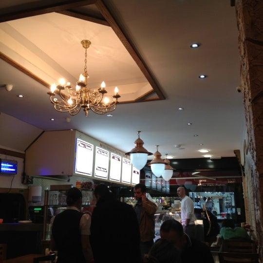 10/19/2012 tarihinde M Mustafa S.ziyaretçi tarafından Hala Restaurant'de çekilen fotoğraf