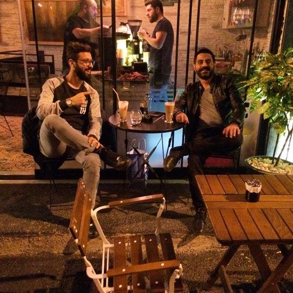 11/9/2016 tarihinde Emrah K.ziyaretçi tarafından Pan Karaköy'de çekilen fotoğraf