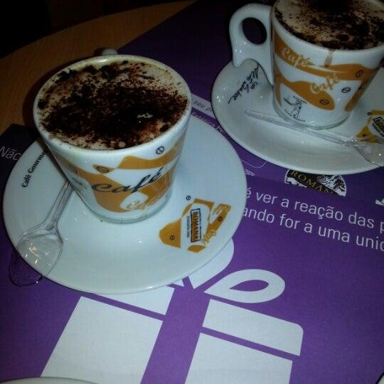 Photo taken at Confeitaria Romana by Vanessa A. on 10/13/2012