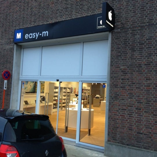 Photo taken at SWITCH / Easy-M by Sven M. on 11/12/2012
