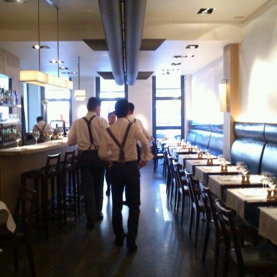 12/13/2012にZai A.がLolaで撮った写真