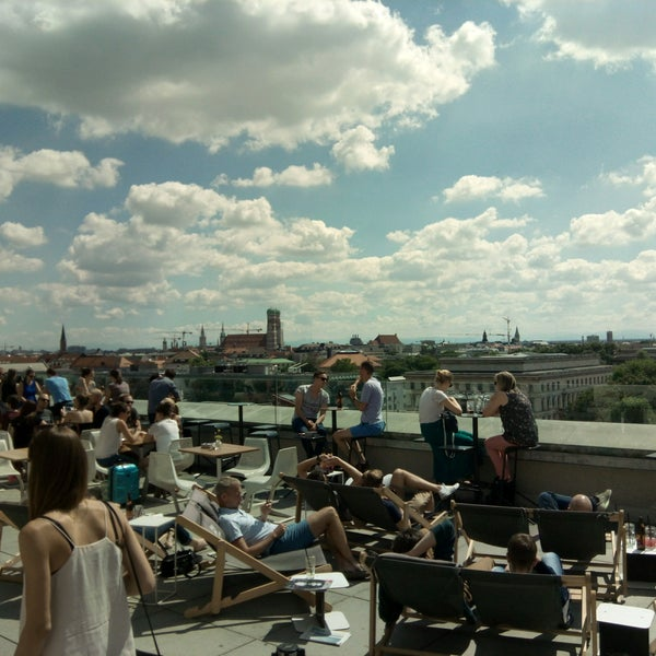 rooftop bar tu m nchen roof deck in maxvorstadt. Black Bedroom Furniture Sets. Home Design Ideas