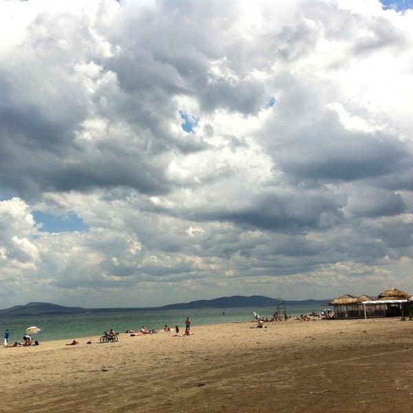 Foto scattata a Централен Плаж Бургас (Burgas Central Beach) da Anastasiya il 5/25/2013