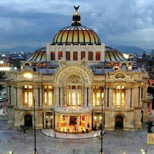 Foto tomada en Palacio de Bellas Artes por Carlos Miguel L. el 1/8/2013